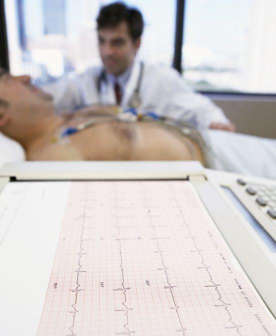 Electrocardiograma con NAHT